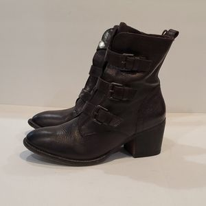 Vince Camuto boots size 10 Dasia